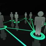 Sociālie tīkli ir tīmekļa vietnes, kurās, reģistrējoties un izveidojot savu individuālo profilu, ir iespējams kontaktēties un sazināties ar citiem cilvēkiem (draugiem, radiem, skolas biedriem, paziņām).